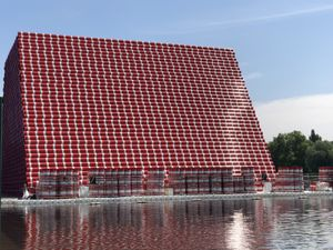 Bulding the mastaba in Hyde Park