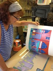 Jennie Ing at work on Covent Garden linocut print