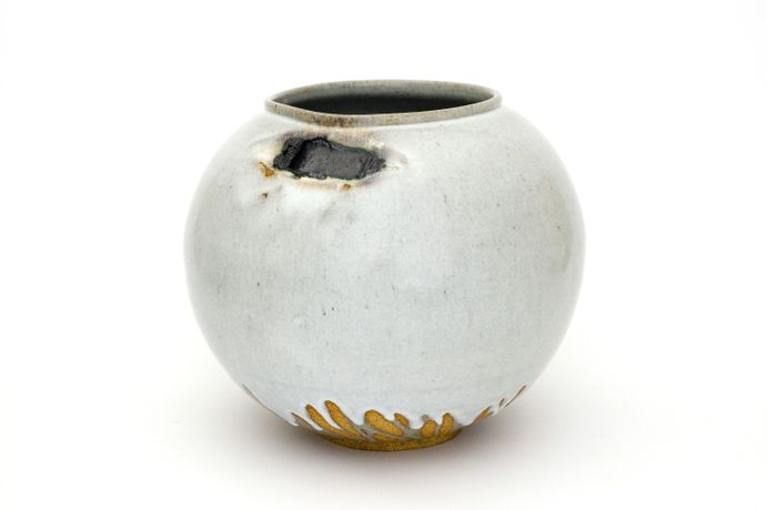 Adam Buick: Untitled, 2009. Stoneware, Nokia 3310, white Jun glaze. Height 38 cm.