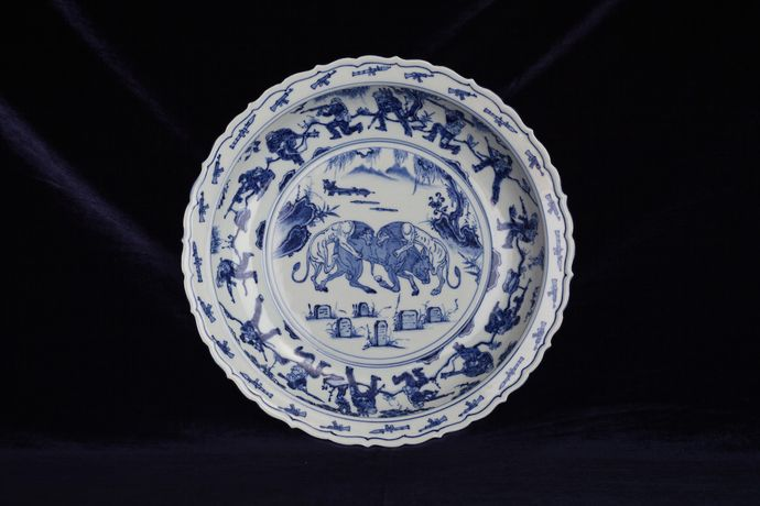 Ai Weiwei, Blue and White Porcelain Plate (War), 2017