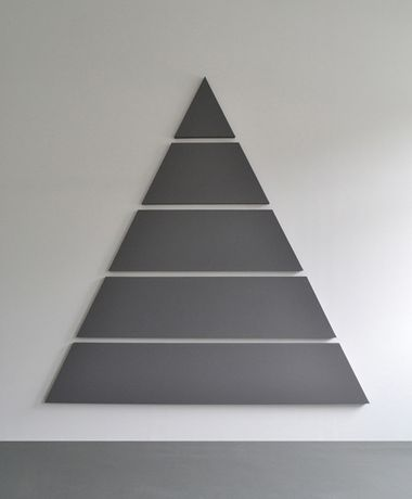 Alan Charlton. Divided Triangle Painting (5 Parts) 2015