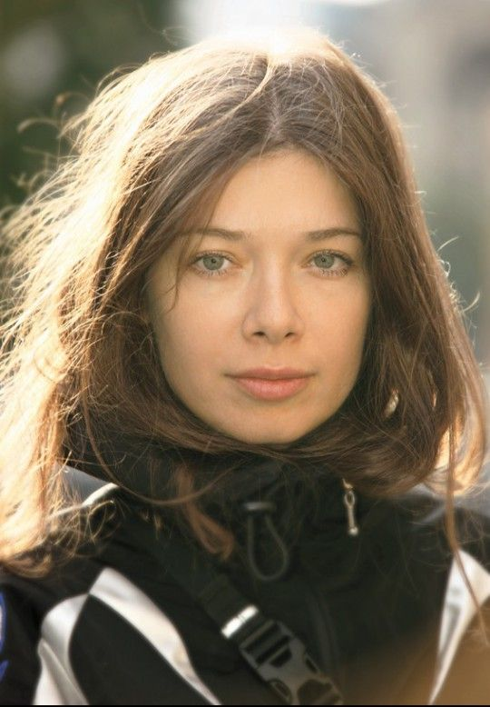 Alexandra Pirici naked