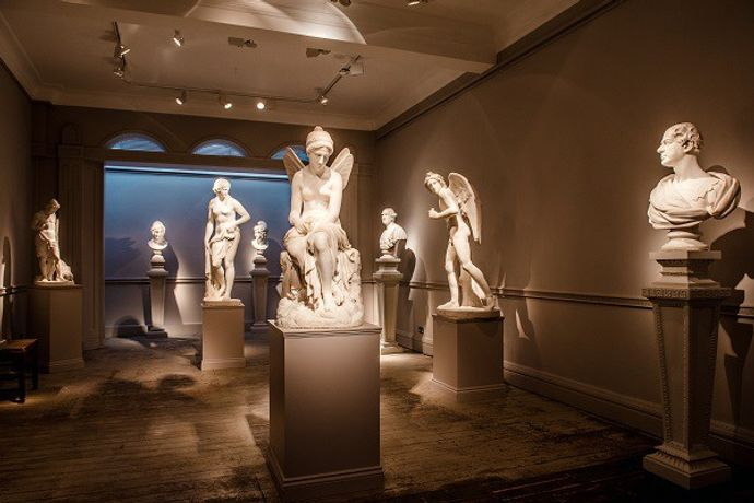 An evening of European sculpture and fine wine: Image 0