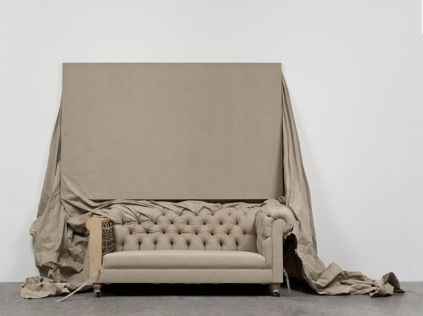 Analia Saban, Claim (from Chesterfield Sofa), 2014, Linen canvas on stretcher bars and on sofa structure, Overall installation: 315 x 243.8 x 124.5 cm, Courtesy of the artist and Sprüth Magers