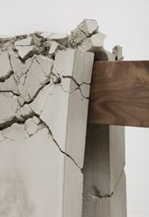 Analia Saban Draped Concrete (26.25 sq ft), 2016 (detail) Four concrete slabs on wooden sawhorse 104,8 x 487,7 x 42,9 cm 41 1/4 x 192 x 16 7/8 inches MSPM ASA 27316 © Analia Saban Courtesy Sprüth Magers