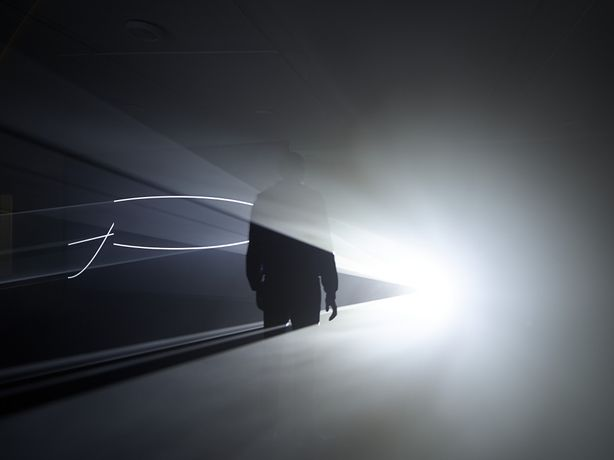 Anthony McCall. Face to Face (III), (2013). Installation view, Eye Film Museum, Amsterdam, 2014. Photograph by Hans Wilschut.