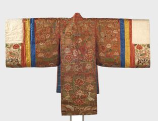 Bride's Robe (Hwalot). Korea, Joseon dynasty, 19th century. Cotton, silk, paper, gold thread, 71 x 6 x 48 in. (180.3 x 15.2 x 121.9 cm). Brooklyn Museum Collection, 27.977.4. (Photo: Jonathan Dorado, Brooklyn Museum)