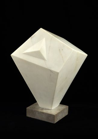 BARBARA HEPWORTH Form, 1936 White marble