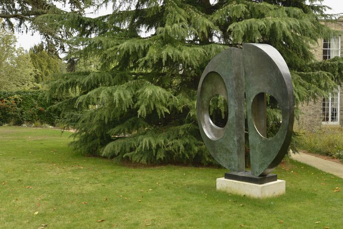 Barbara Hepworth, Two Forms (Divided Circle), 1969. On loan from the Hepworth Estate to Downing College. Photo: Perry Hastings. Barbara Hepworth © Bowness, 2019.