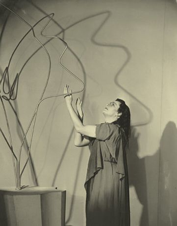 Barbara Hepworth: Form and Theatre: Image 0
