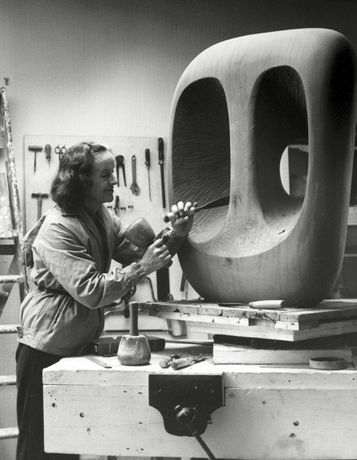 Barbara Hepworth: Staging Object, Image and Artist: Image 0