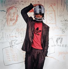 Edo Bertoglio. Jean-Michel Basquiat wearing an American football helmet, 1981.
