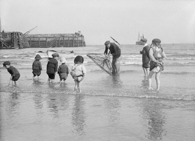 Beside the Seaside: snapshots of British Coastal Life, 1880-1950: Image 0