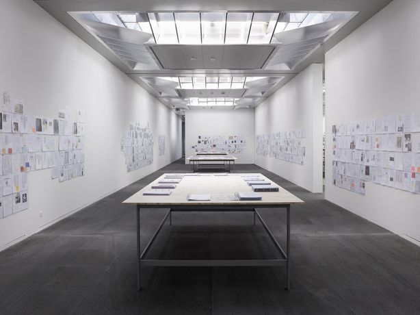 Installation view Bethan Huws, Research Notes 2007-2014, Kunstmuseum Bern, 2014, Courtesy of the artist / Copyrights Bethan Huws & VG-Bild-Kunst, Bonn 2019