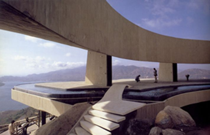 Between Earth and Heaven: The Architecture of John Lautner: Image 0