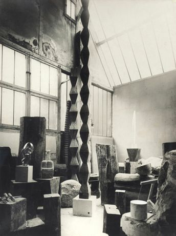 Constantin Brancusi, Vue de l'atelier (View of the Studio), ca. 1925, gelatin silver print, 15 1/2 x 11 inches, 39.4 x 27.9 cm. © 2019 Succession Brancusi, all rights reserved/Artists Rights Society (ARS), New York/ADAGP, Paris.