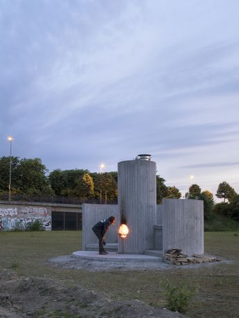 Oscar Tuazon, Burn the Formwork, © Skulptur Projekte 2017, photo: Henning Rogge