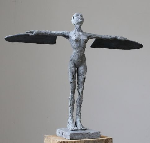 'Plain Girl' - bronze - 56 x 64 x 27 cm