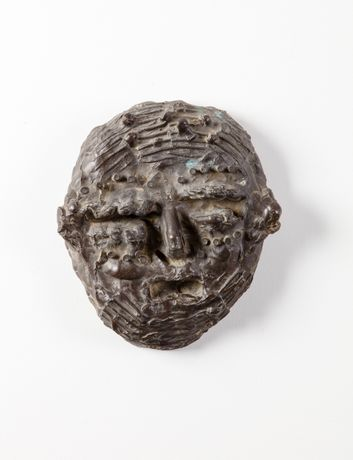 William Turnbull, Mask, 1953, Bronze, Edition of 2, 23cm, © Marlborough Fine Art, London, Courtesy The Estate of William Turnbull