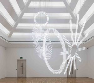 Cerith Wyn Evans. Radiant fold (...the Illuminating Gas)
