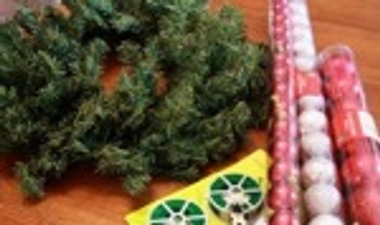 Christmas Wreath Making Workshop: Image 0