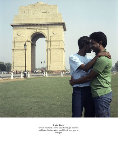 Sunil Gupta, India Gate from the series 'Exiles', 1986-1987. Text with image: Even if you have a lover you should get married and have children. Who would look after you in your old age. © Sunil Gupta courtesy sepiaEYE