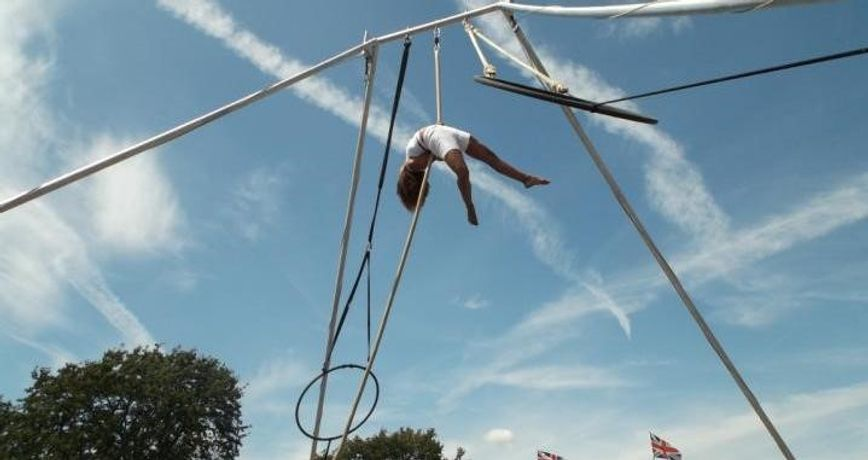 Contemporary Circus With Upswing: Show and Have a Go Amphitheatre. Workshop: Image 0