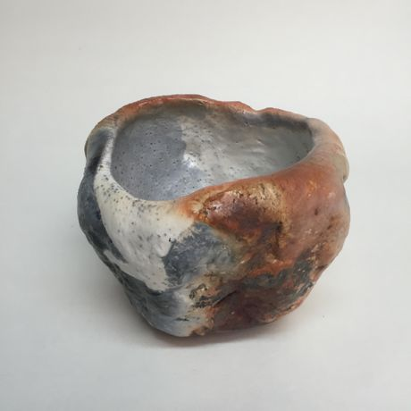 Tea in November, 2015, approx. 5,3 x 14,4 x 14,5 cm, Raku fired ware, 1000° C, oxide, semi-transparent glazing; Photo: Semjon H. N. Semjon