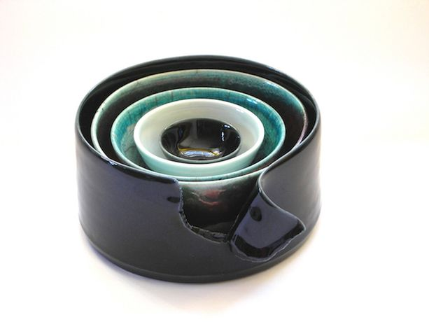 Ros Perton, Black and Green stack, 15x15x9cm, Porcelain