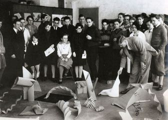 Josef Albers Preliminary class group critique. Bauhaus Dessau, 1928-29. Photo by Otto Umbehr