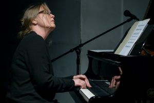 Curated by Meredith Monk: Robin Holcomb: Quartet