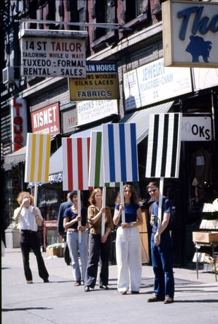 Photo-souvenir : Seven ballets in Manhattan, travail in situ, New York, 27 mai/2 juin 1975. Détail. © DB-ADAGP Paris