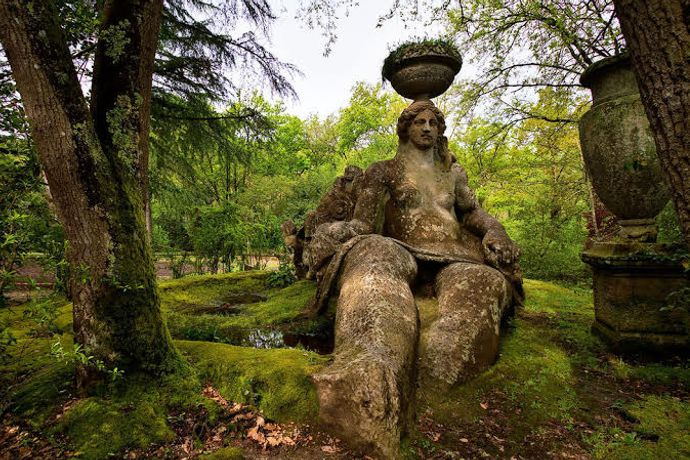 The Esoteric Garden: The Renaissance garden as a metaphor for a form of knowledge beyond the contemporary 'technical' appearance of reality. A Talk by Federico Campagna- Wednesday 25 May, 7:30-8:30 PM- RCafe, Kensington Gore, London SW7 2EU.