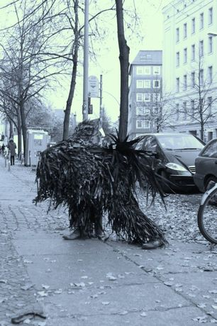 knowbotiq, THE MACGHILLIE HALL presents: The BlackGhillie Line – Coquetry with the Camera, Substitut Berlin, 2012