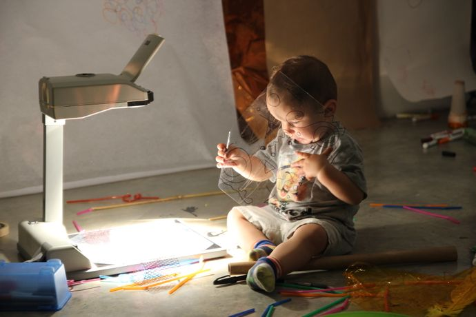 Early Years Workshops |Project Light with artist educator Natalie Zervou: Image 0