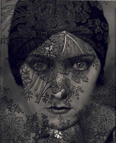 Edward Steichen: In High Fashion, The Condé Nast Years: Image 0