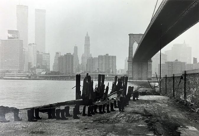 Eleanor Antin. 100 BOOTS Under the Brooklyn Bridge. 1973. Photo © Eleanor Antin