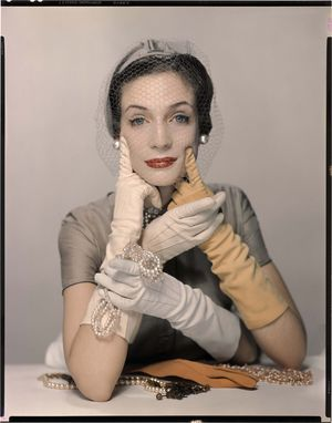 Pat Blake for Vogue NY, 1954 © The Estate of Erwin Blumenfeld