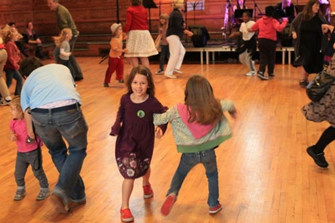 Family Barn Dance: Image 0