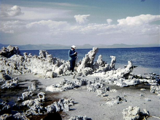 Image: Nancy Holt and Robert Smithson, 'Mono Lake' (1968-2004), film still.  Courtesy of the Holt/Smithson Foundation and Electronic Arts Intermix (EAI), New York. © Holt/Smithson Foundation