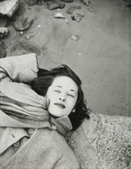 Saul Leiter Kim, Sunday Morning at the Cloisters c.1947