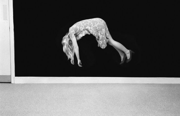 Clare Strand, Aerial Suspension, 2009