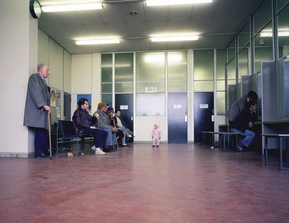 Paul Graham, Beyond Caring, 1984/85, © Paul Graham, Courtesy Anthony Reynolds Gallery, London