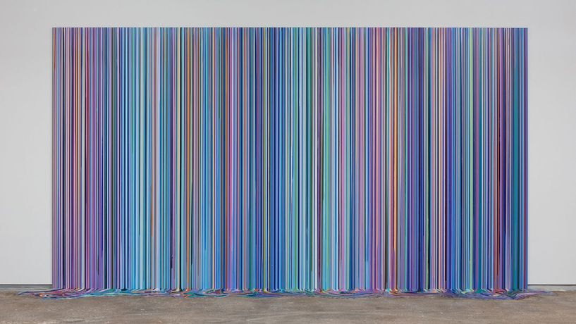 Ian Davenport, Spring (Bluebonnet), 2018, acrylic on aluminum (six panels with additional floor section), 129 7/8 x 236 1/4 x 39 3/8 inches, 330 x 600 x 100 cm. Image courtesy of Ian Davenport Studio and Kevin Todora.