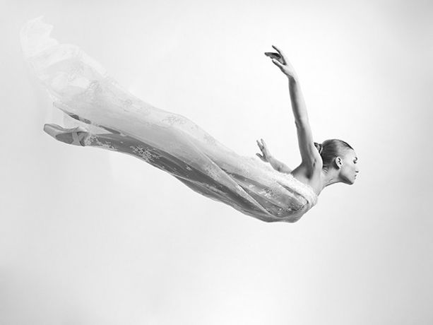 Instinctive Drawing with Artist Lucy Savage and Ballerina Miriam Pierzak: Image 0