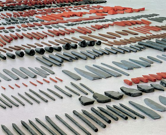 Carmela Gross, Knives,1994, 1300 pieces of ceramic, dimensions variable. Photo: European Ceramics Work Centre, Holland. Courtesy by the artist.