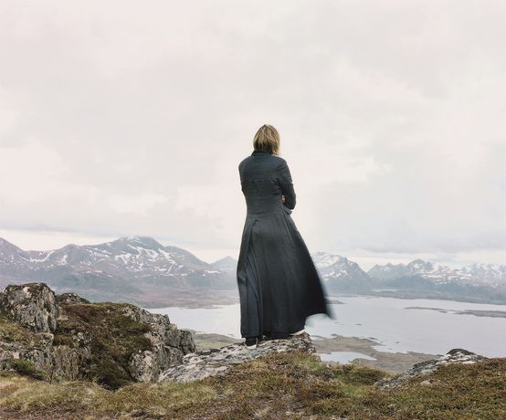 Elina Brotherus, Der Wanderer 2, aus The New Painting, 2004 © the artist, courtesy: gb agency, Paris
