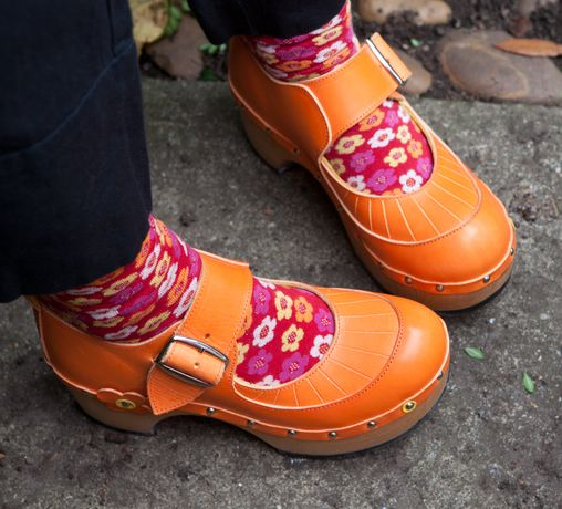 Jackie Loves Clogs: Image 3