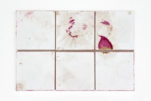 Jeewi Lee, Ich_No_Gramm, Fliesenbild 10K.11K.11M.10M (1.Woche), 2015, Tracks, ceramic tile, wood, 30,2 x 44,5 cm