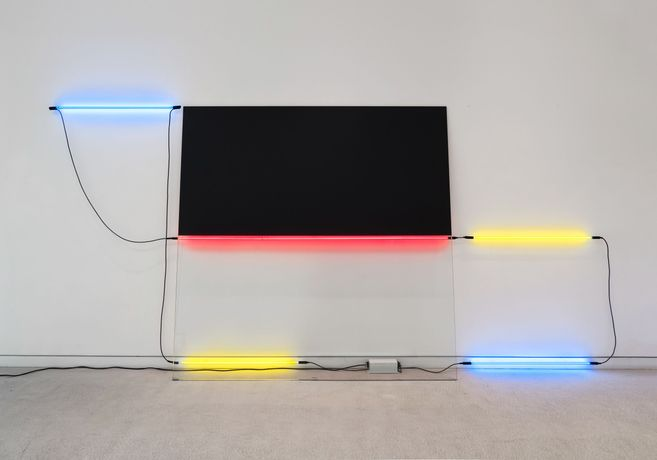 Keith Sonnier, Ba-O-Ba Nice II, 1977/2019, neon, glass, paint, wire and transformer, 83 1/2 x 176 x 11 inches, 212.1 x 447 x 27.9 cm. Photograph © Caterina Verde.
